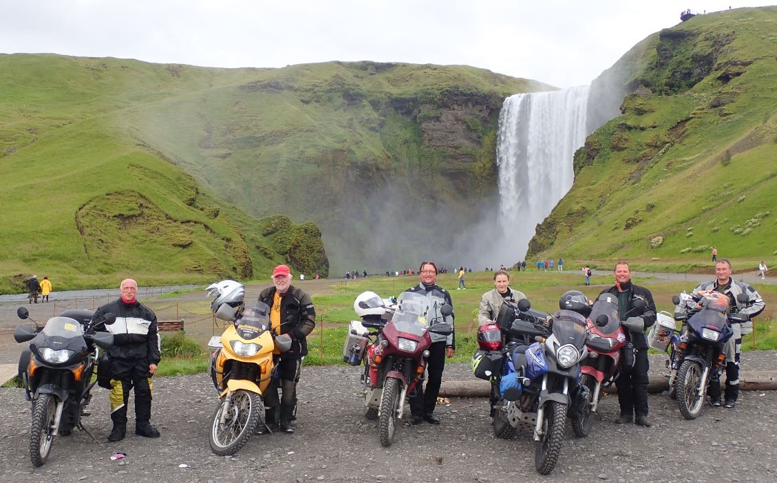 Der erste Wasserfall auf Island